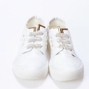 Fab Kickz Girls White Casual Flat Shoes Size 3